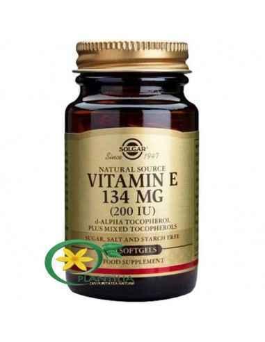 Vitamina E 200UI 50 cps Solgar,   Vitamina E 200UI 134 mg 50 cps Solgar  Alfa tocoferolul din Vitamina E previne descompunerea a