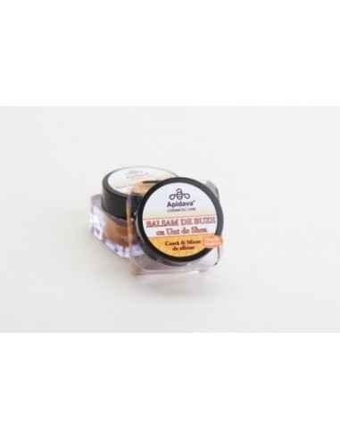 BALSAM BUZE CU UNT DE SHEA 10ML Apidava Balsamul de buze pe bază de ceară de albine şi miere este special conceput ca un tratam